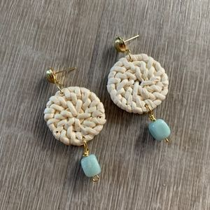 NWT WICKER / RATTAN EARRINGS - White and Blue Bead